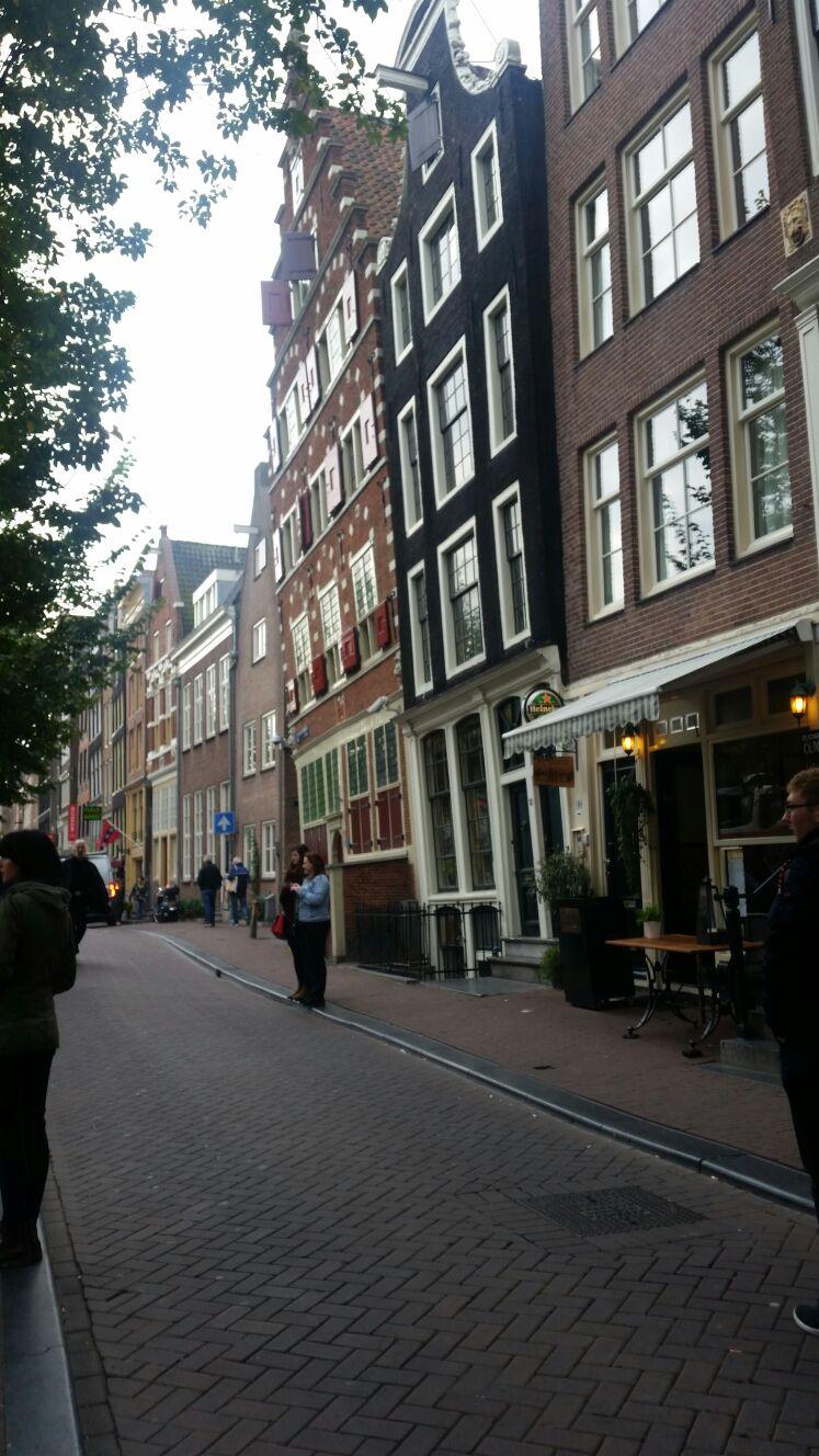 Facciate inclinate, Amsterdam