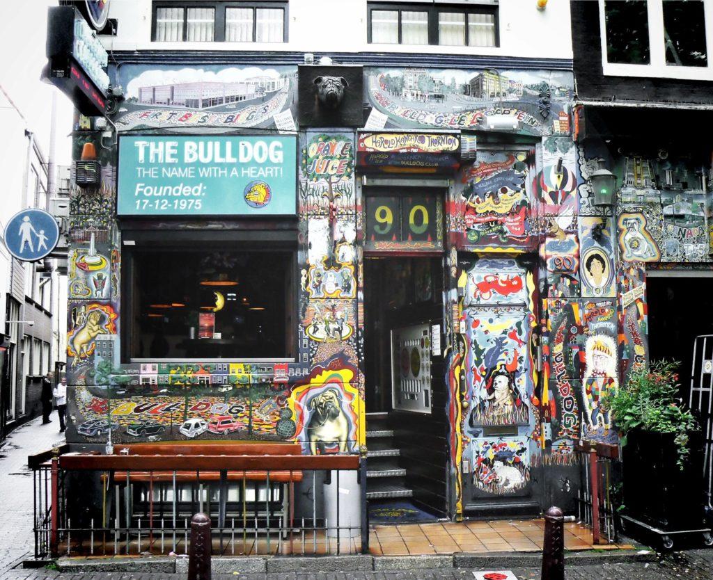 THE BULLDOG, il primo coffee-shop di Amsterdam.